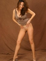 Paige Rene knowing the best way of pantyhose pleasure